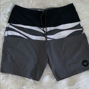Men's quiksilver board shorts